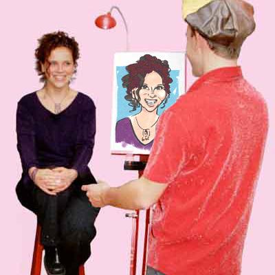 De karikatuurtekenaar tekent een karuur op papier op zijn rode ezel. De sneltekening is van een jon dame met krullen. Zij poseer op een hoge kruk