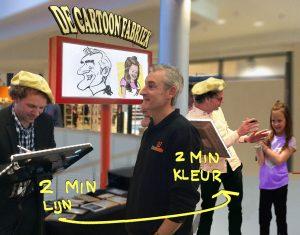 Radboud en Abel tekenen samenop tablet digitaal karikturen